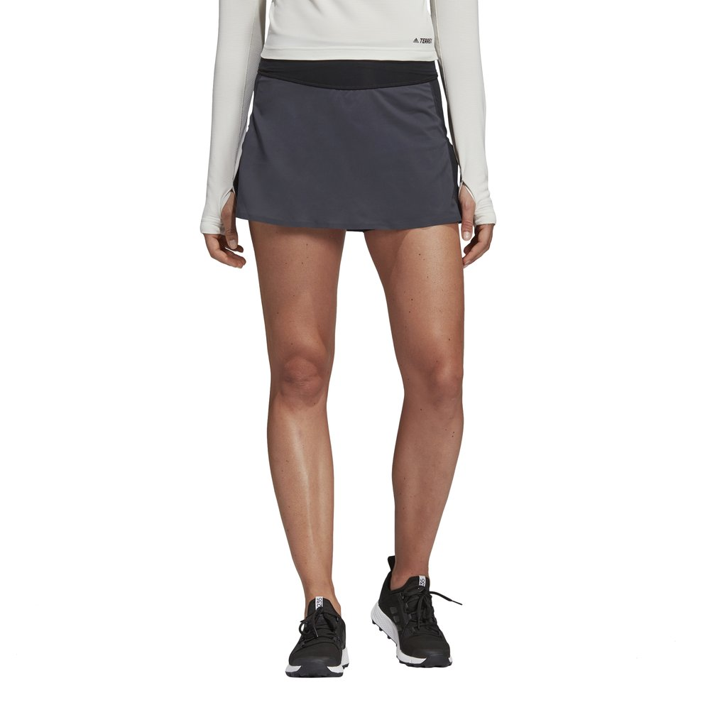 adidas terrex agravic two-in-one skort w czarno-szara