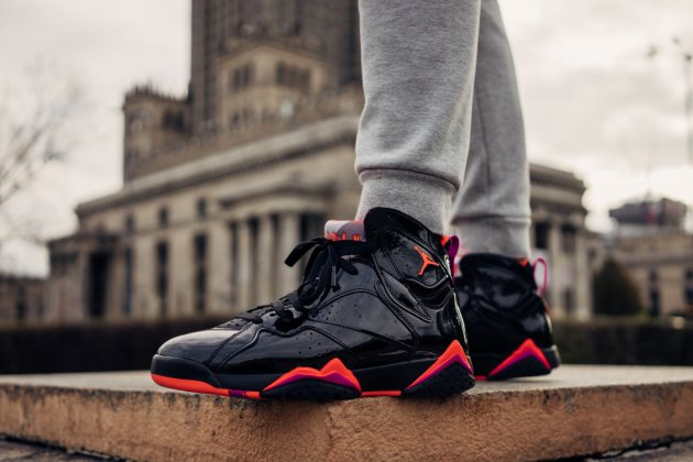 AIR  JORDAN  7 WMNS BLACK GLOSS